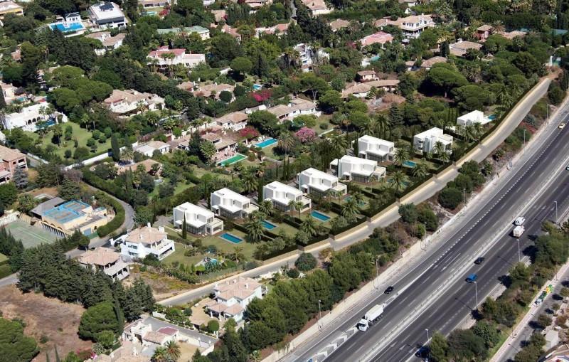 Plot for sale in Nagueles, Marbella Golden Mile. Regarding property dimensions, it has 1175 m² plot.,Spain