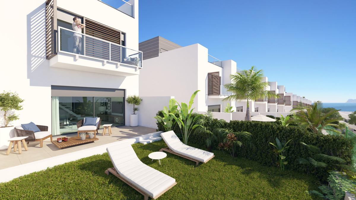 Villa  Terraced for sale   in Manilva