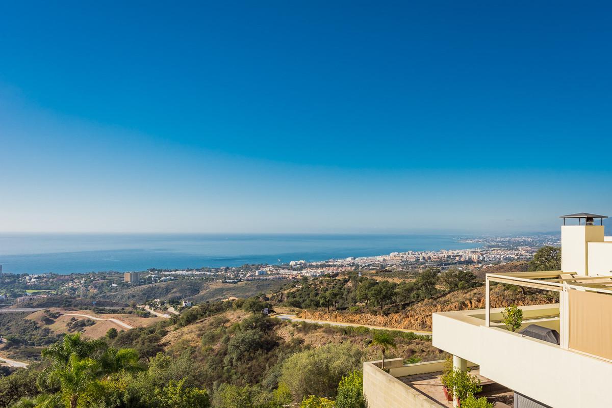 Apartament na parterze na sprzedaż w Los Monteros R2904707