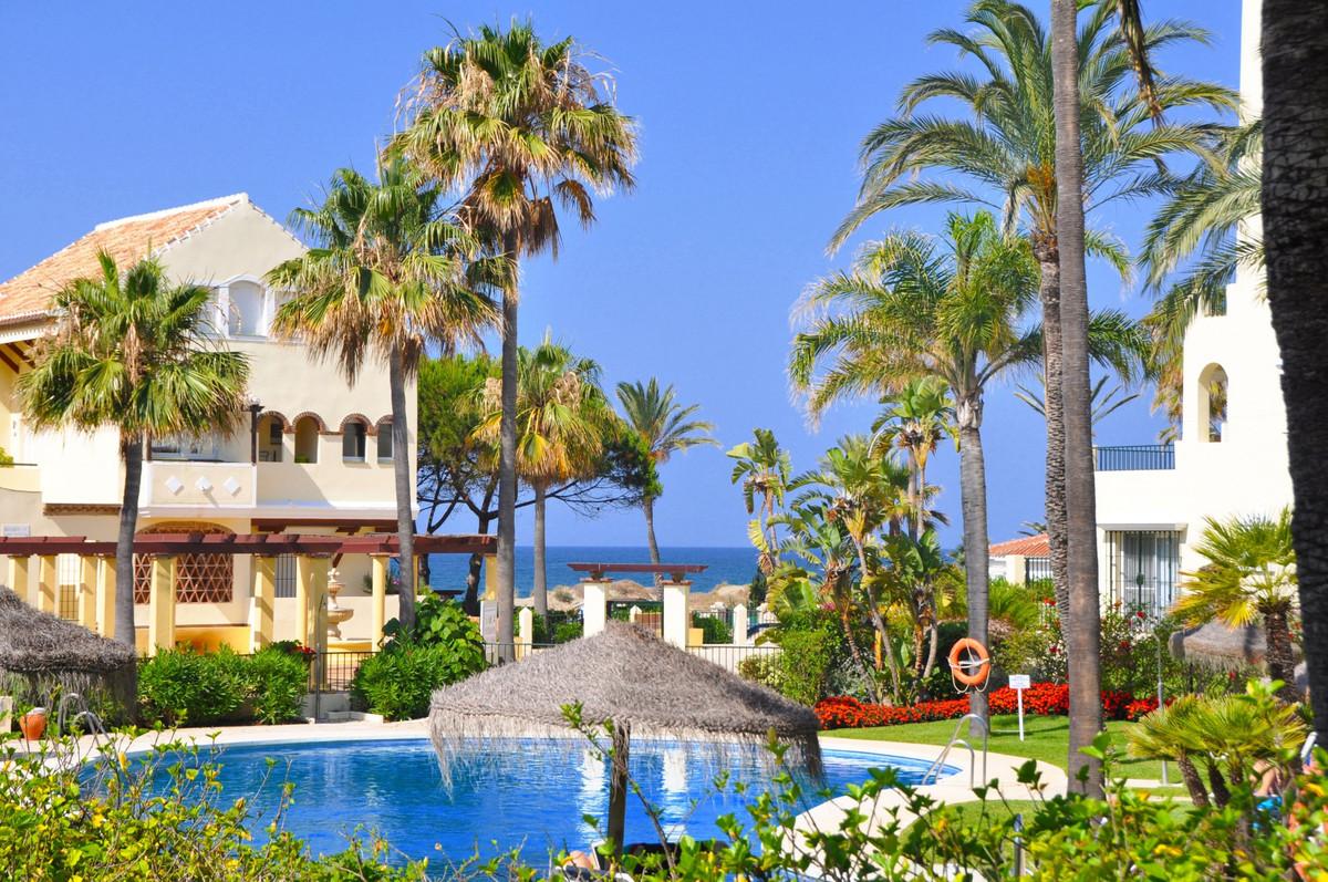 Ground Floor Apartment for sale in Elviria Playa, Marbella with 2 bedrooms, 2 bathrooms, 1 on suite ,Spain