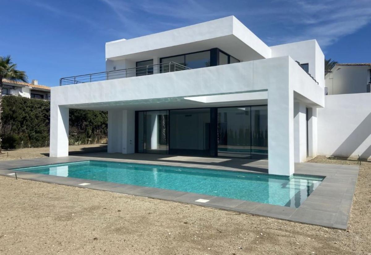 Villa, Detached  for sale    in Atalaya