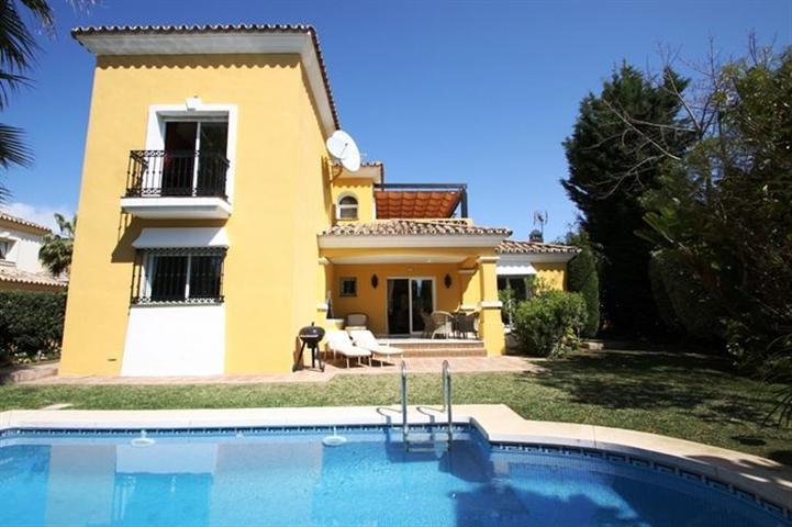 Villa for Rent in Bahia de Marbella, Costa del Sol
