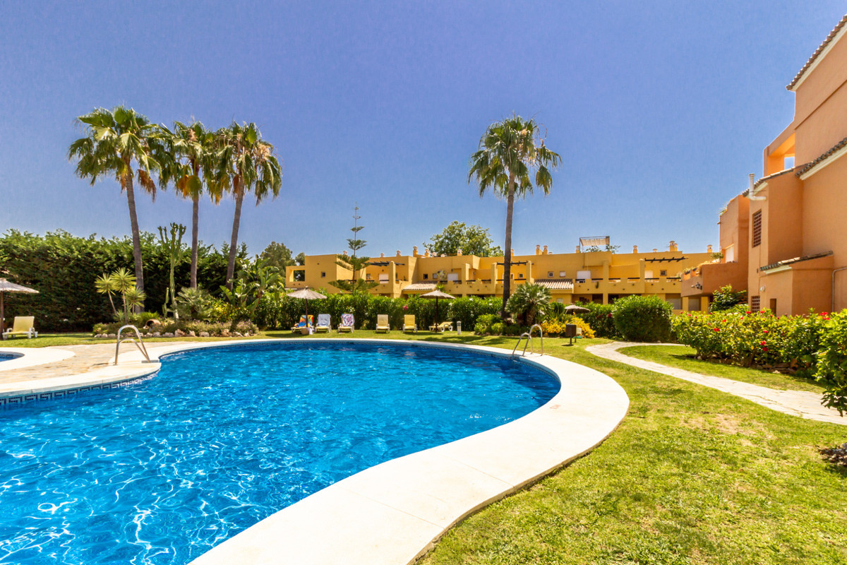 Penthouse in Guadalmina Alta R62352