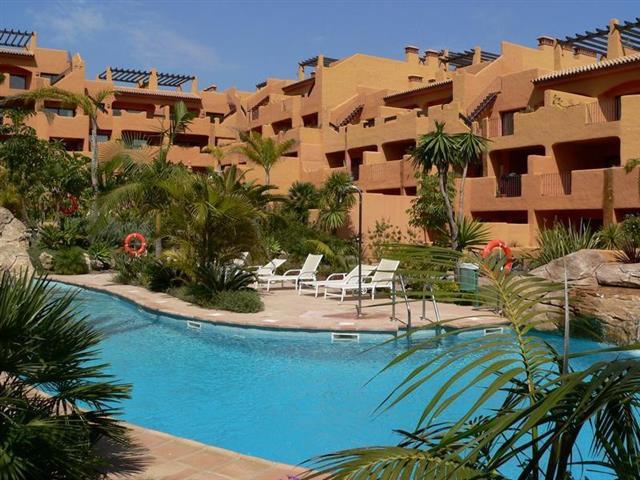 Apartamento Planta Baja 2 Dormitorio(s) en Venta Benahavís