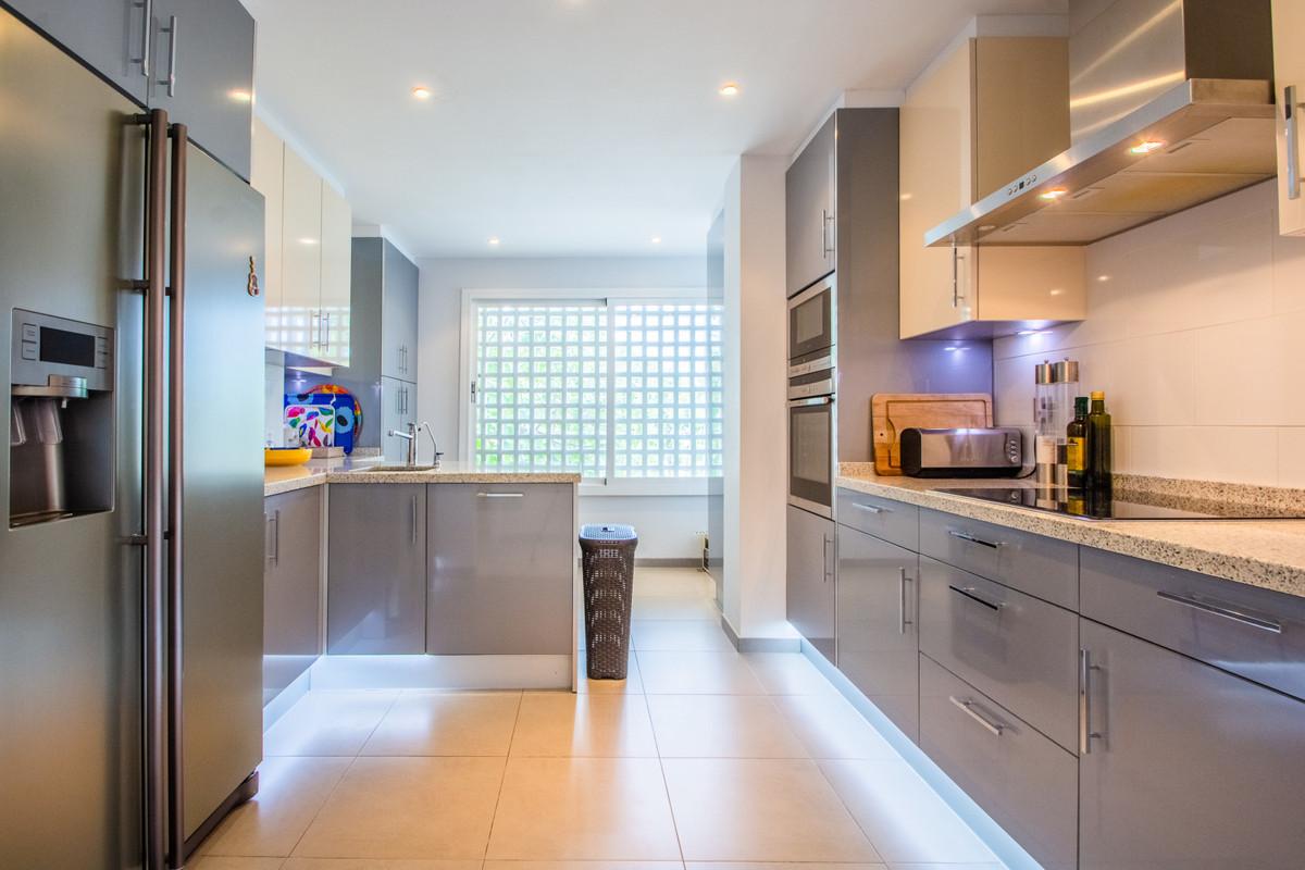 2 Bedroom Middle Floor Apartment For Sale La Mairena
