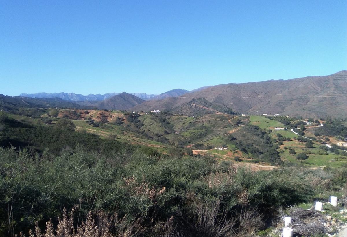 Residential Plot, La Cala Golf, Costa del Sol. Garden/Plot 1411 m².  Setting : Country, Mountain Pue,Spain