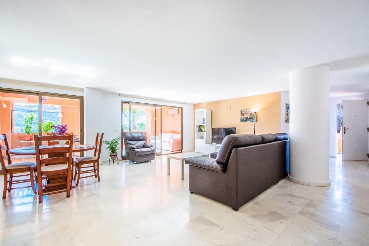 Ground Floor Apartment for sale in La Mairena R3430657