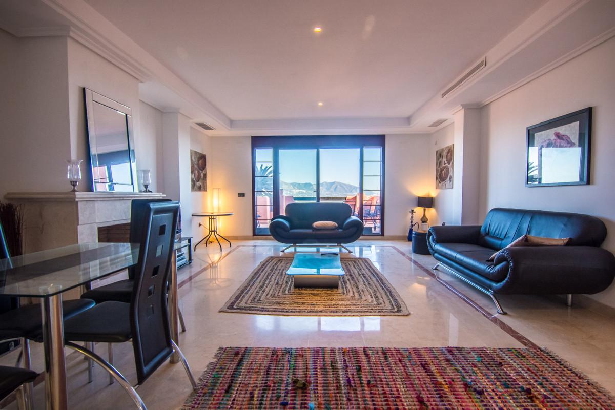 Apartamento 4 Dormitorios en Venta La Mairena