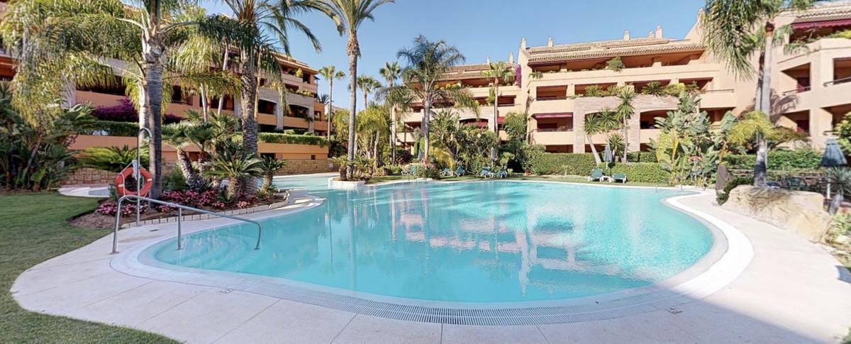 Apartamento  Planta Baja en alquiler  en Bahía de Marbella