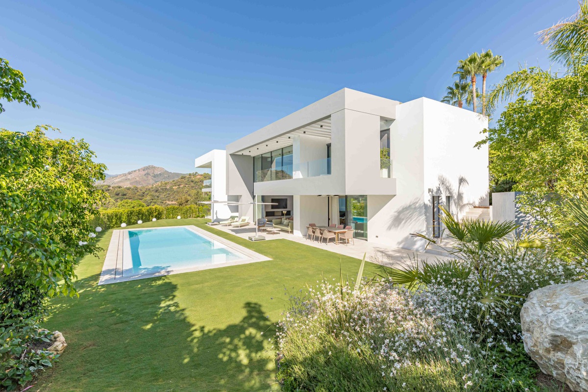 Off-Plan Villa Project. A truly magnificent mansion for those who are looking for a large, brand-new,Spain