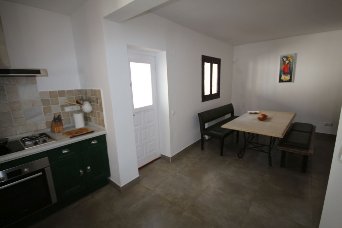 Villa con 3 Dormitorios en Venta Elviria