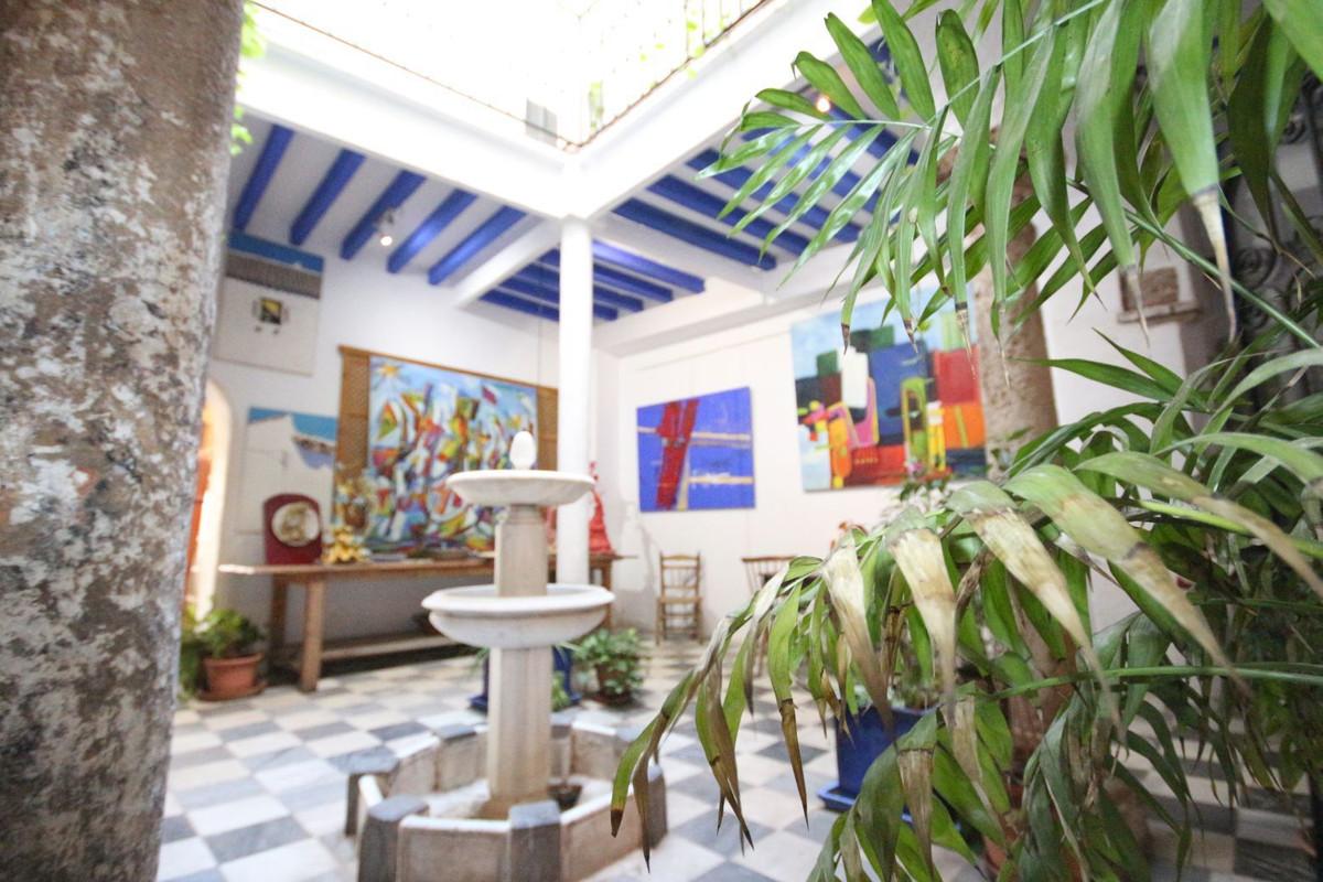 Unifamiliar Pareada 10 Dormitorio(s) en Venta Marbella