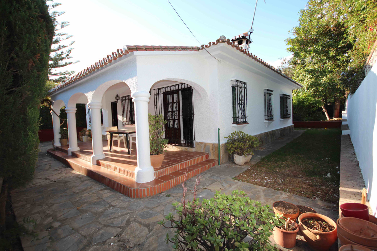 Detached Villa for sale in Marbella R3533479