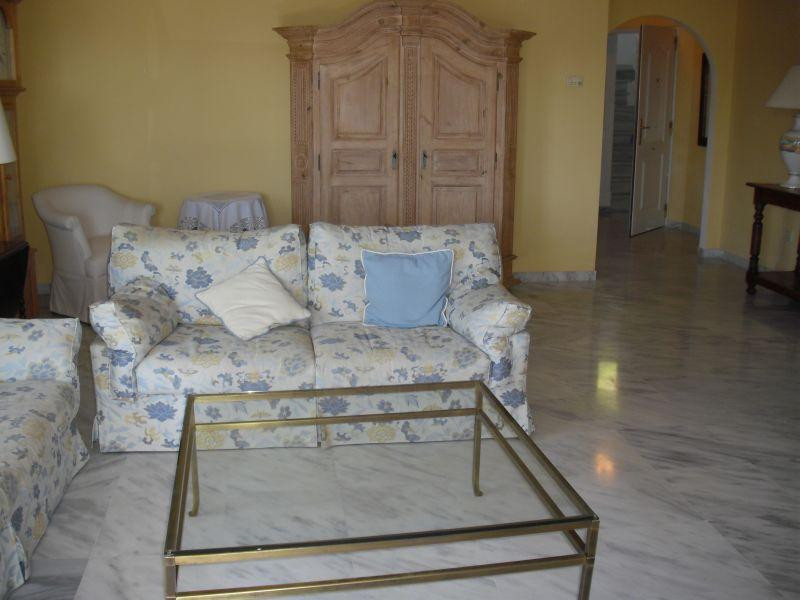 Apartamento Planta Media en Río Real, Costa del Sol