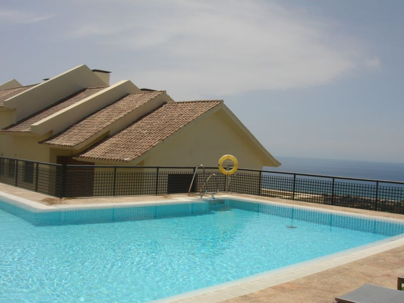 Wonderful views across the Mediterranean from this high quality property offers the opportunity to e,Spain