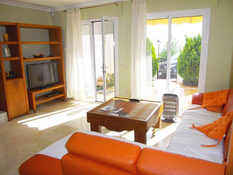 Rijhuis te koop in Altos de los Monteros R210898