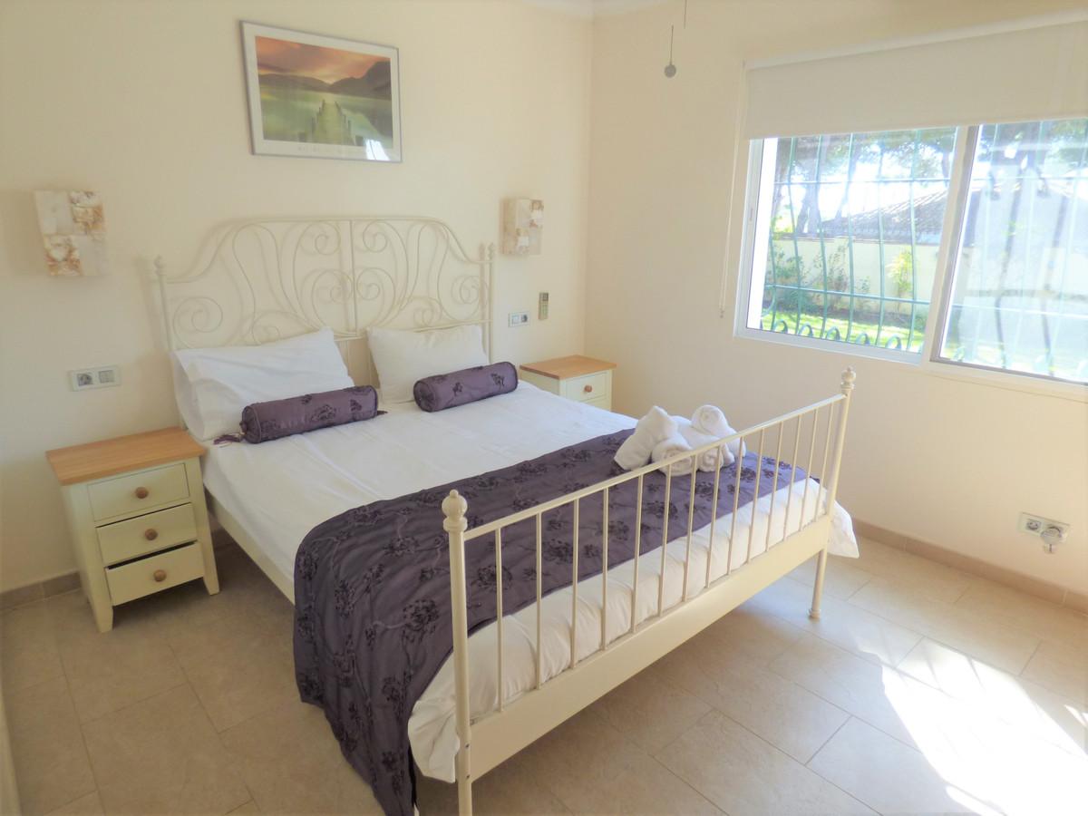 Villa con 7 Dormitorios en Venta Cabopino