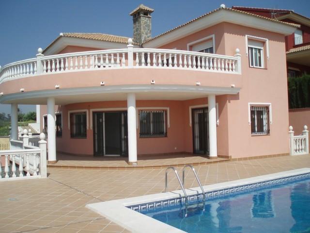REDUCED FROM 744,000€ TO 630,000€! Villa, Urbanization, Parking: Garage, Pool: Private, Garden: Priv,Spain
