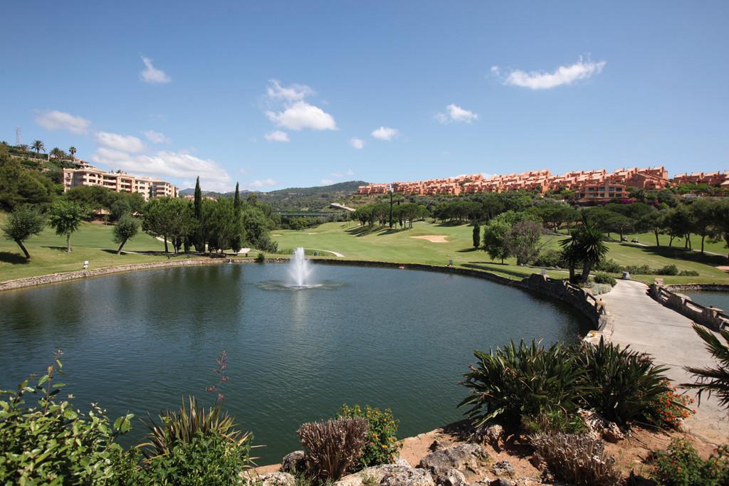 Apartment for sale in Elviria - Marbella East Apartment - TMRO-R3138010