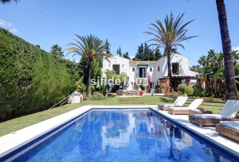Villa for sale in Nueva Andalucia - Nueva Andalucia Villa - TMRV0801