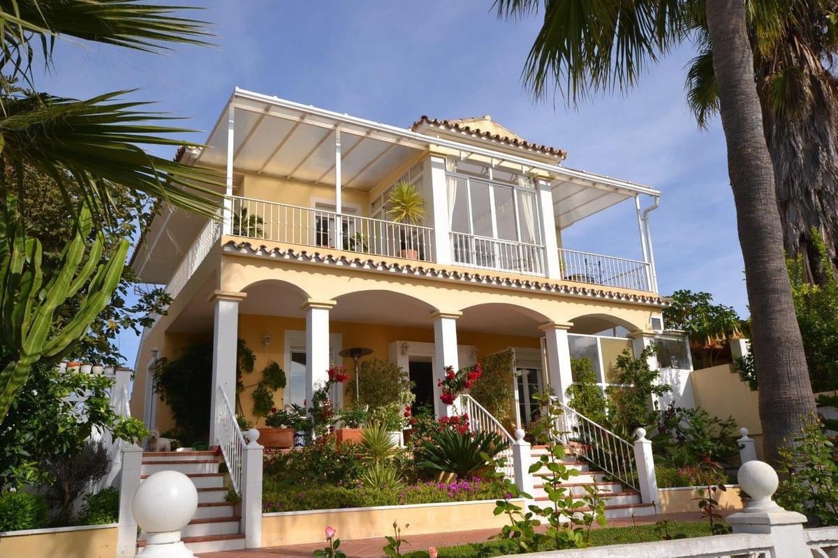 Villa for sale in El Rosario - Marbella East Villa - TMRO-R2548556