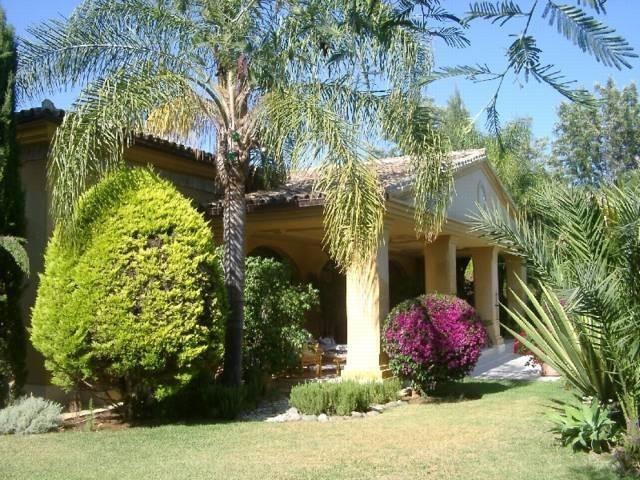 Villa for sale in Guadalmina Baja - San Pedro de Alcantara Villa - TMRO-R35399