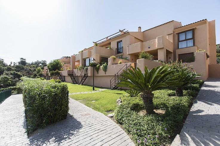 Apartment for sale in La Mairena - Marbella East Apartment - TMRO-R3104107