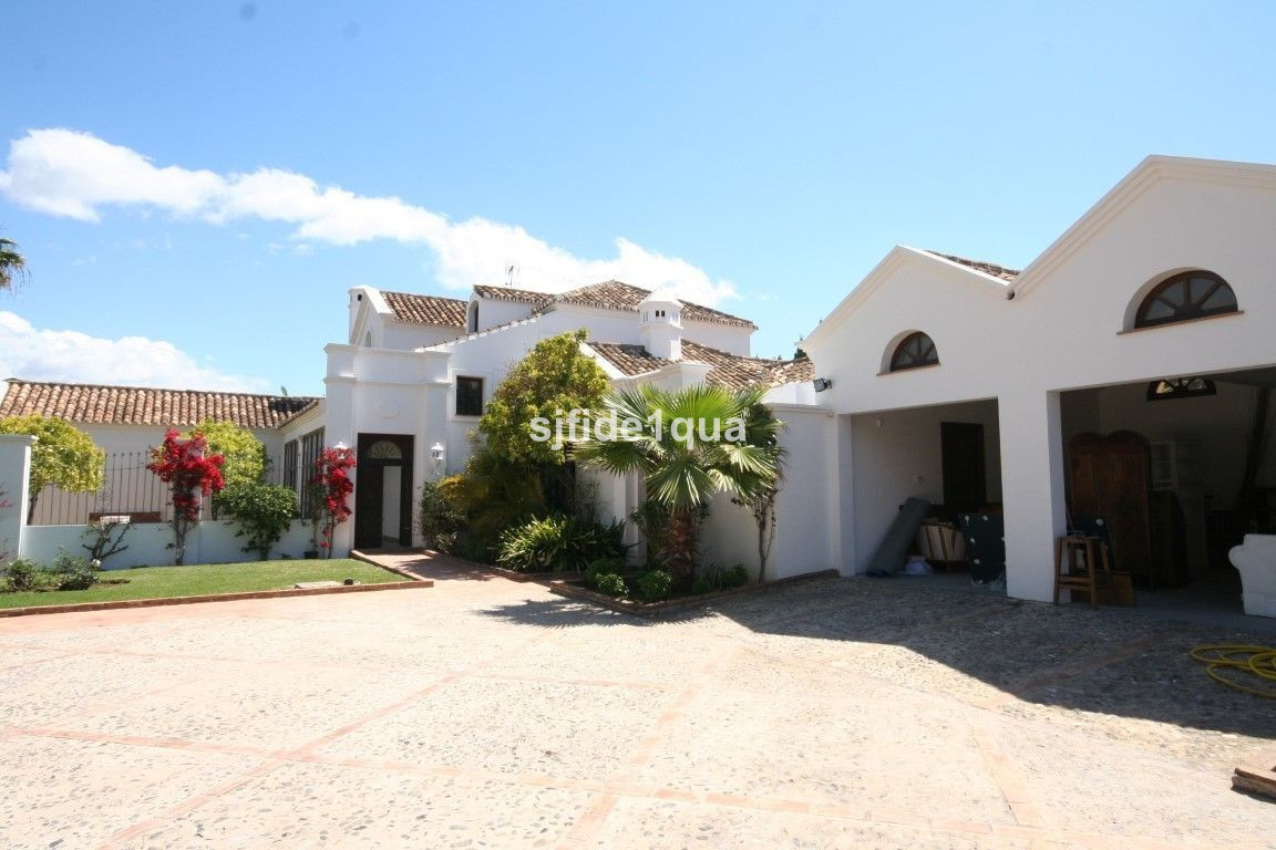 Villa for sale in Guadalmina Baja - San Pedro de Alcantara Villa - TMRV0935