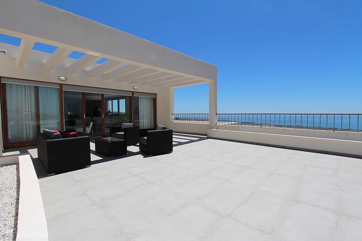 Penthouse for sale in Los Altos de los Monteros - Marbella East Penthouse - TMRO-R3103105