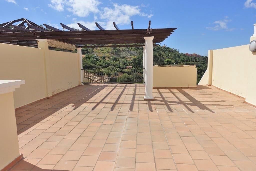 Penthouse for sale in Los Arqueros - Benahavis Penthouse - TMRO-R3120121