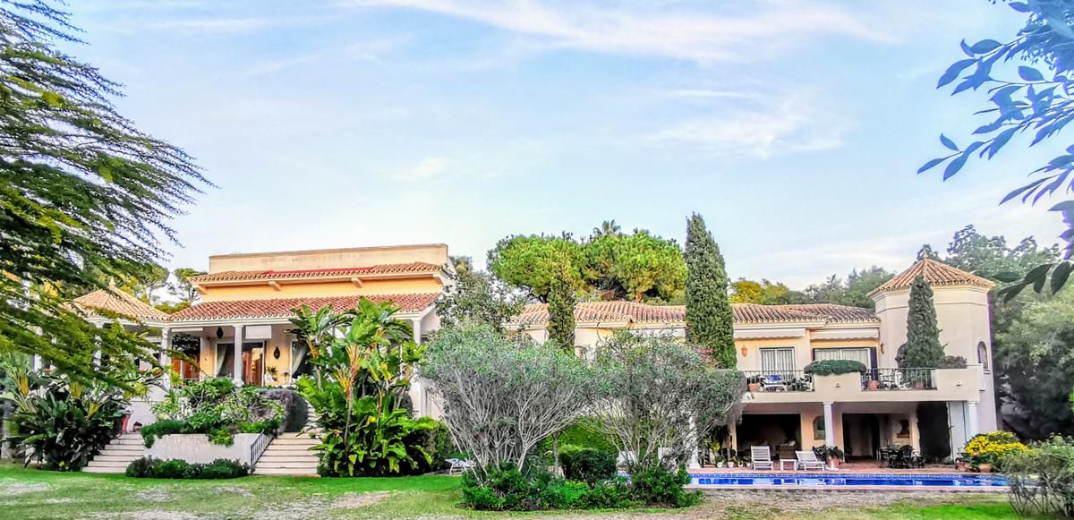 Villa for sale in Guadalmina Baja - San Pedro de Alcantara Villa - TMRO-R2982452