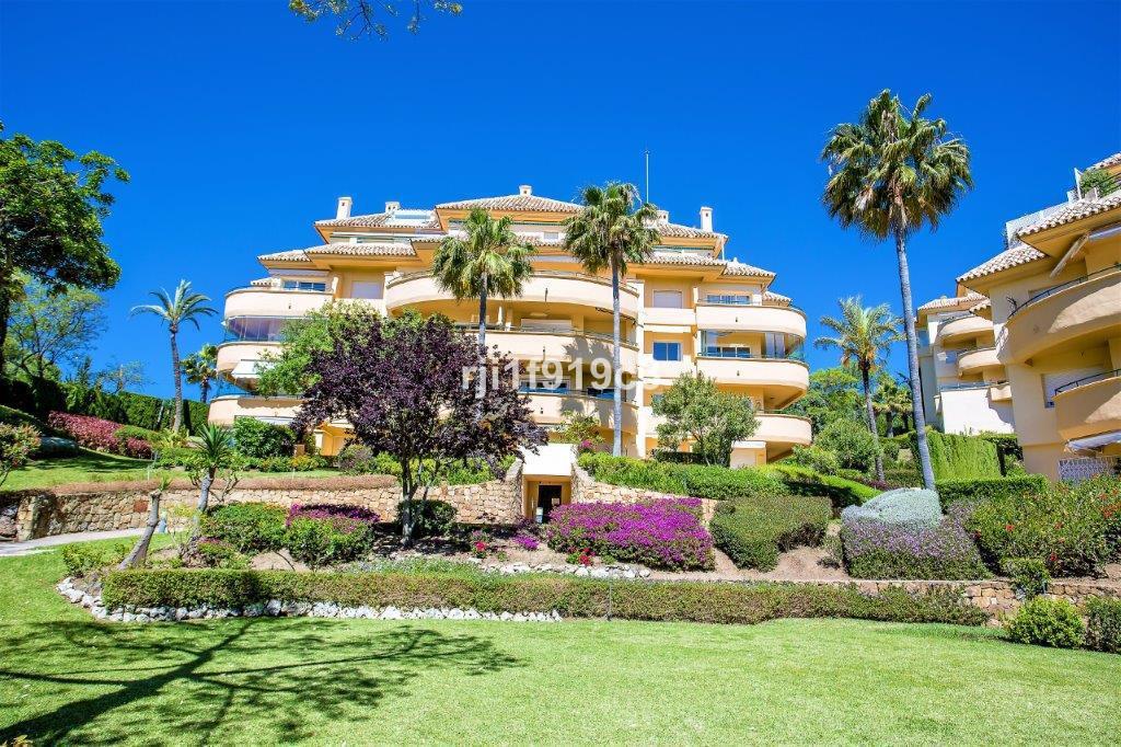 Apartment for sale in Elviria - Marbella East Apartment - TMRO-R2478887