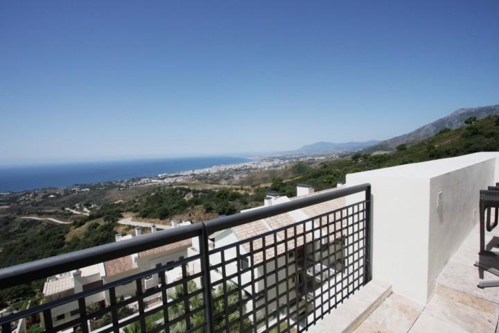 Penthouse for sale in Los Altos de los Monteros - Marbella East Penthouse - TMRO-R3104558