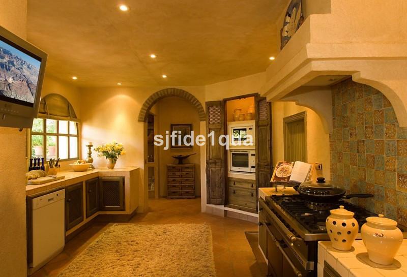Villa con 5 Dormitorios en Venta Gaucín