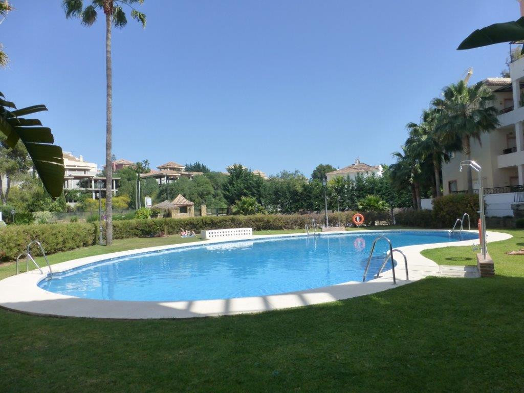 Ground Floor Apartment for sale in Nueva Andalucia - Nueva Andalucia Ground Floor Apartment - TMRO-R2594624
