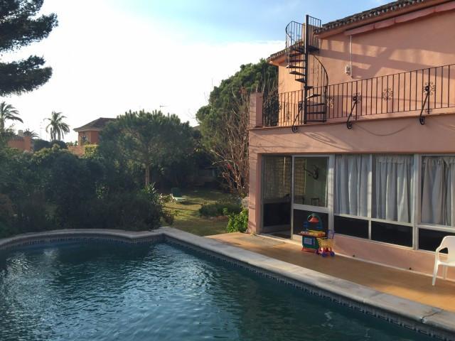Villa for sale in Marbella - Marbella Villa - TMRO-R2635328