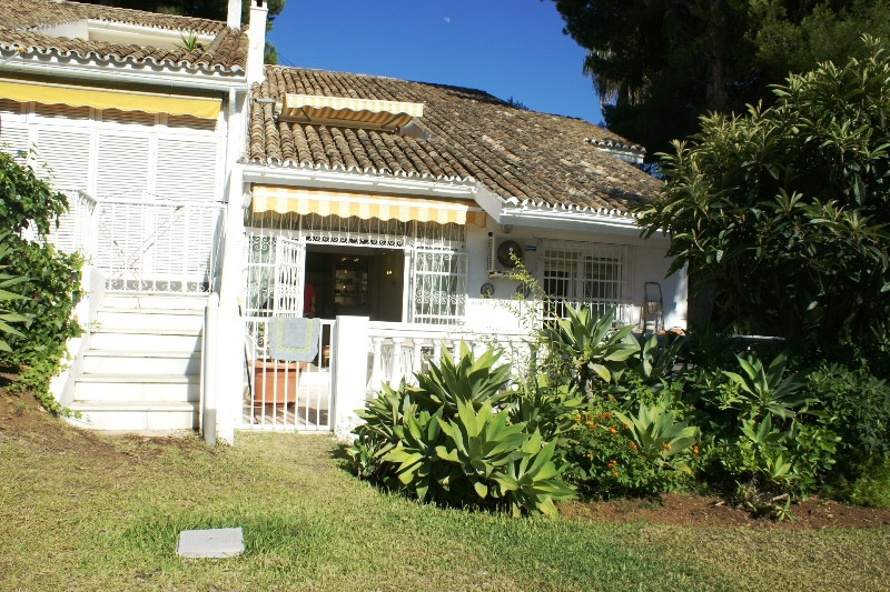 Ground Floor Apartment for sale in Nueva Andalucia - Nueva Andalucia Ground Floor Apartment - TMRO-R2452976