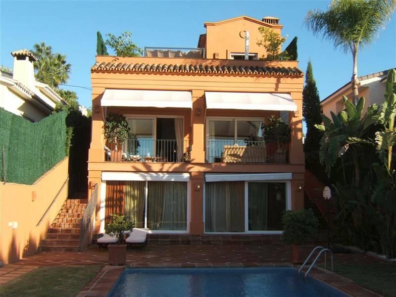 Villa for sale in Elviria, Marbella East