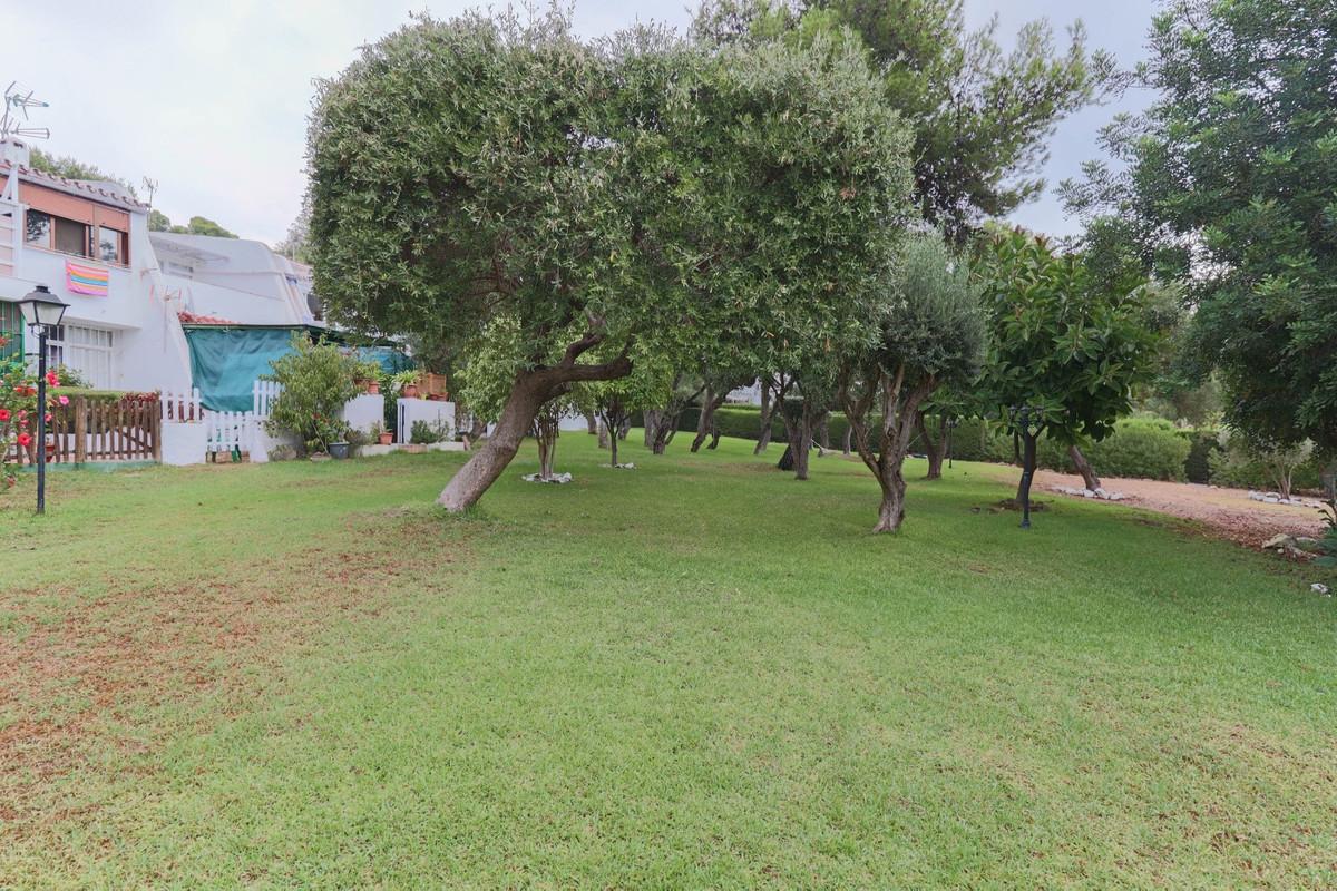 House in Estepona R3914818 12