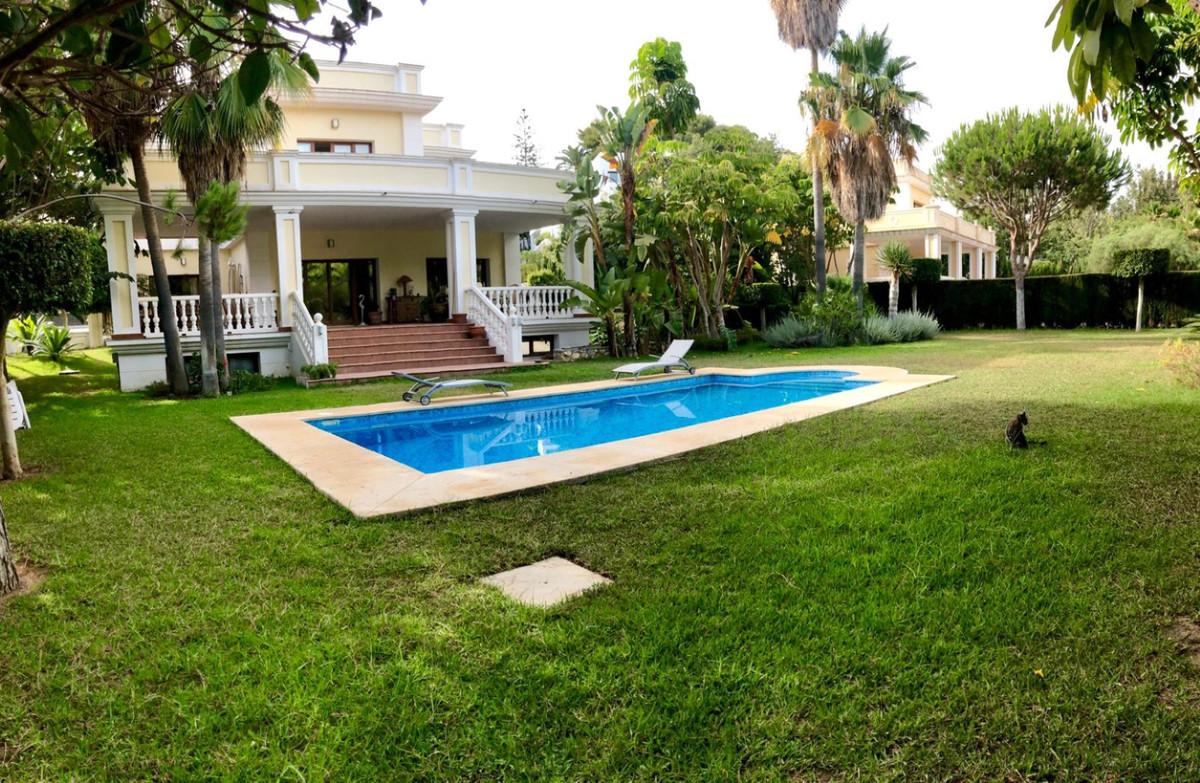 Villa in Hacienda Las Chapas