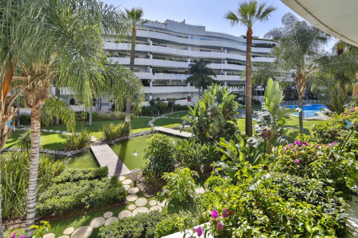 Luxury apartment at Puerto Banus, Costa del Sol. In excellent conditions, located in a well known ur,Spain
