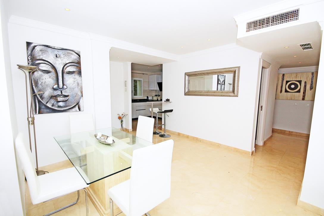 Apartamento con 3 Dormitorios en Venta La Quinta