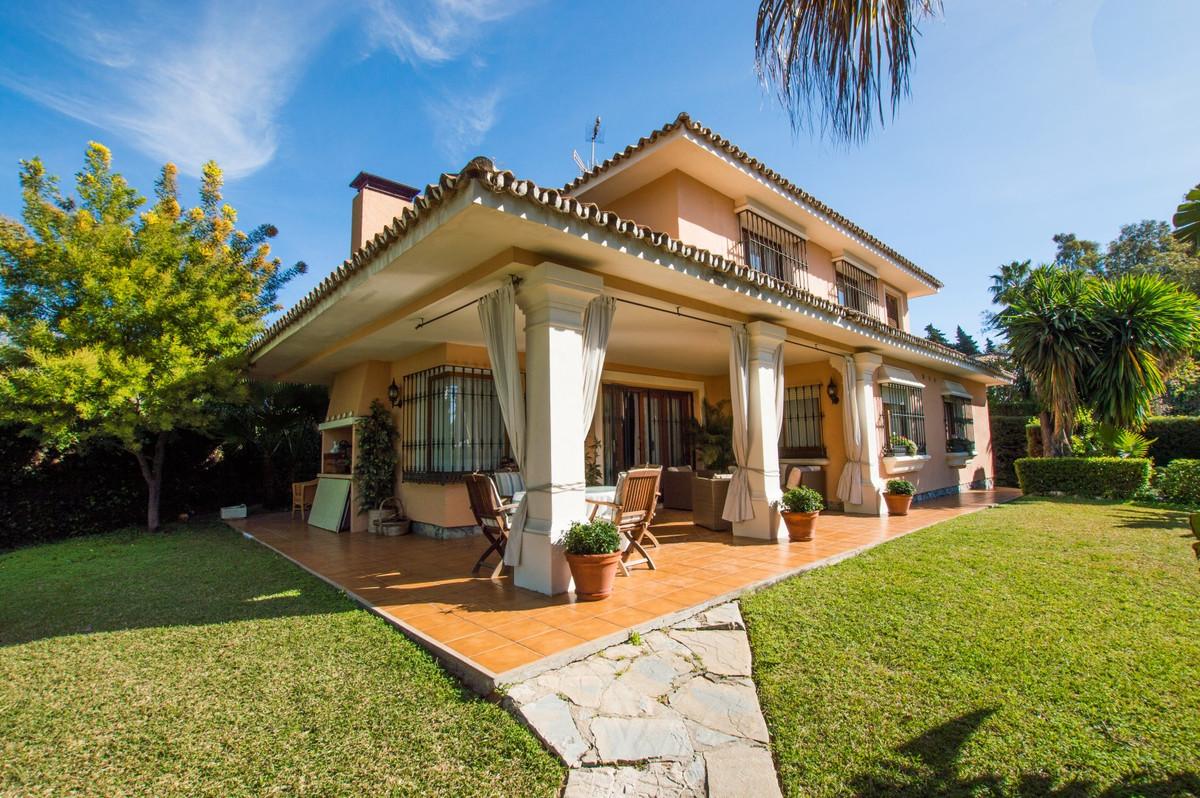 Villa, Detached  for sale    in The Golden Mile