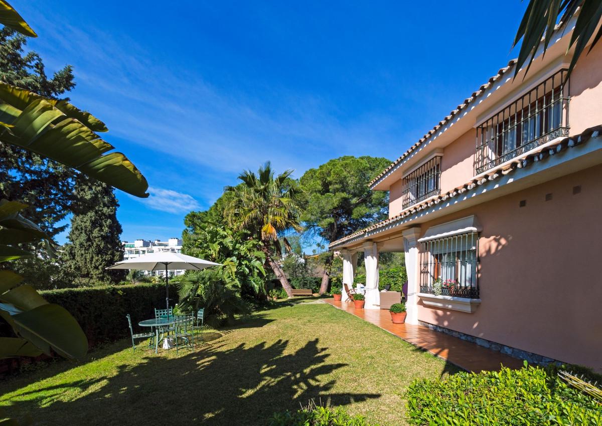 Villa in The Golden Mile