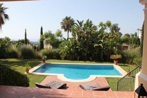 House in Los Flamingos R1780 2