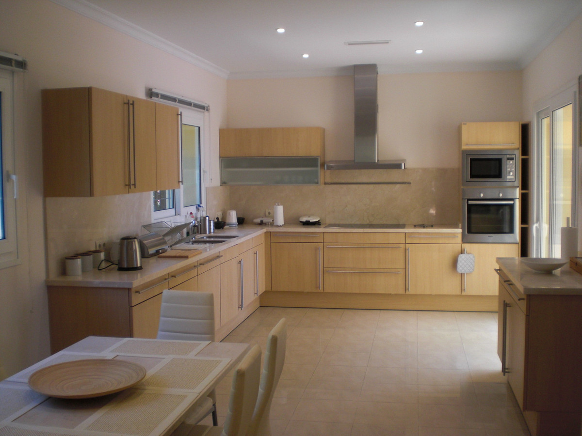 House in Los Flamingos R1780 8