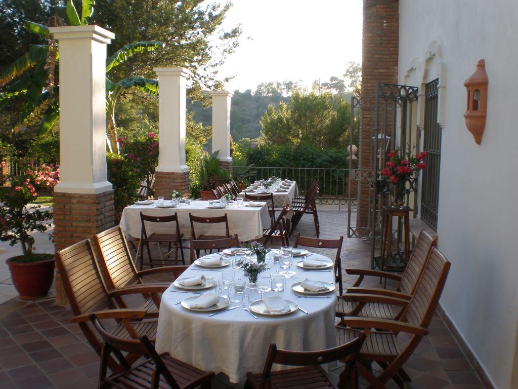Fantastic detached villa in the area of Pinares de San Anton. This plot of 755 m2 has innumerable po,Spain