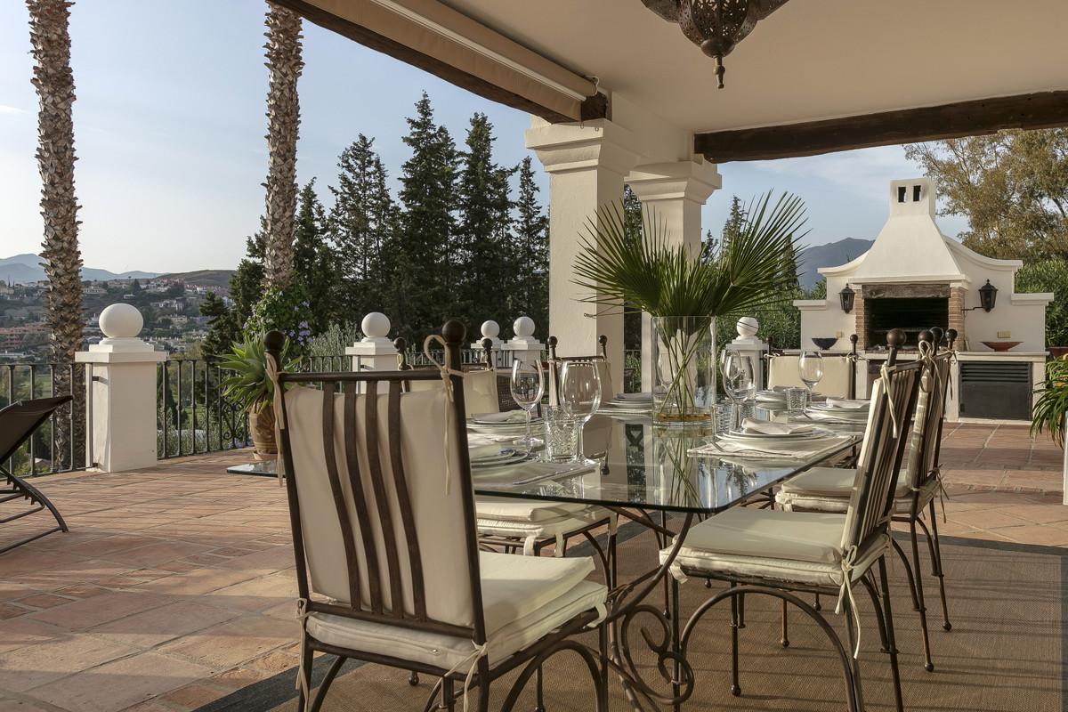 Villa con 6 Dormitorios en Venta El Paraiso