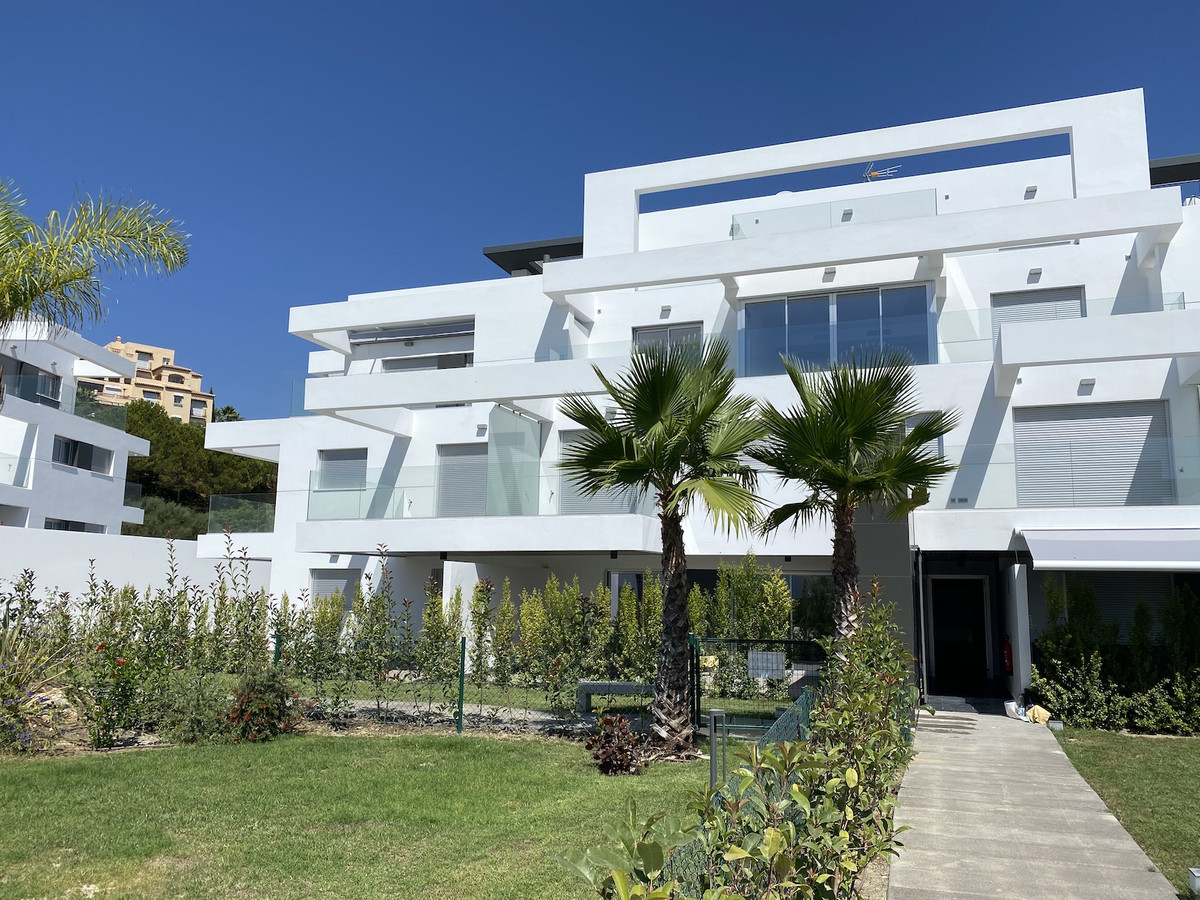 New modern 3 bedroom apartment located just 7 minutes from Puerto Banus, close to San Pedro Alcantar,Spain