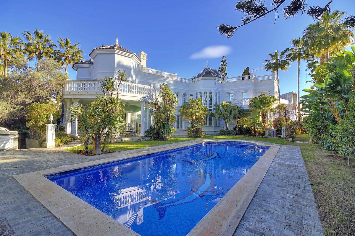 House in Bahía de Marbella R3846910 1
